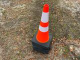 (10) NEW SAFETY CONES