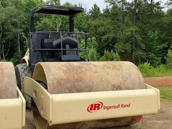 """2006 INGERSOLL RAND PF SERIES 84"""" VIBRATORY SMOOTH ROLLER"""