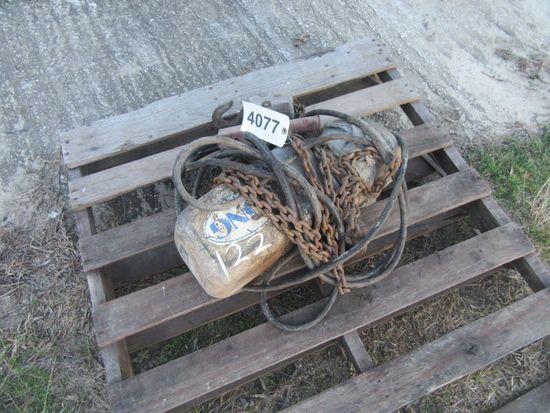 (4077)  2 Ton Electric Chain Hoist w/ Remote