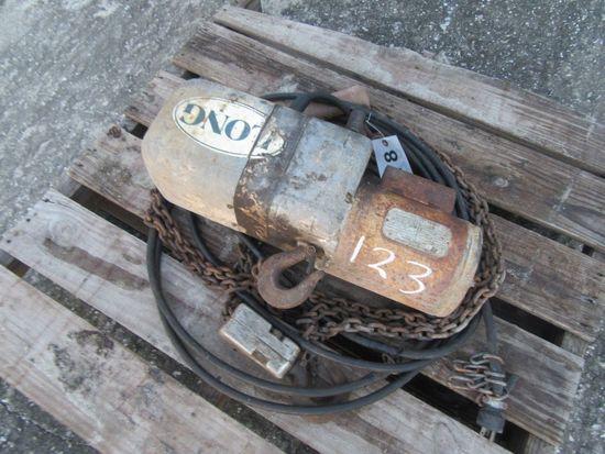 (4078) 2 Ton Electric Chain Hoist w/  Remote