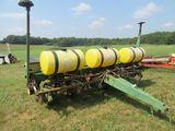 (5665) John Deere 7000  6-Row Planter
