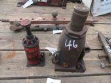 (5719) Pair of Bottle Jacks