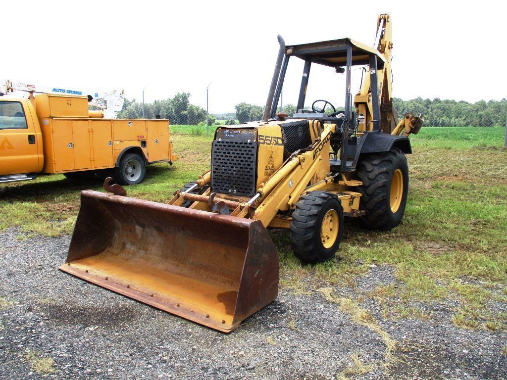 FORD 555D 4 WHEEL DRIVE BACK HOE,