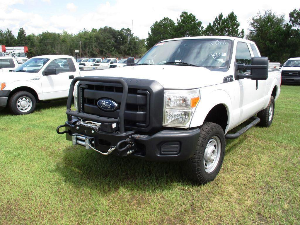 2013 FORD F-250 4 WHEEL DRIVE SUPER DUTY,