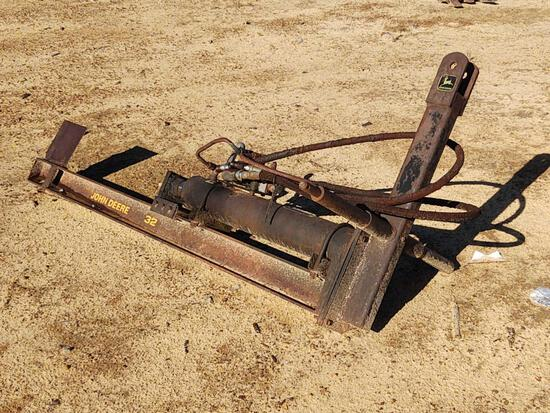 1126- JOHN DEERE 32 3 PT. HITCH LOG SPLITTER