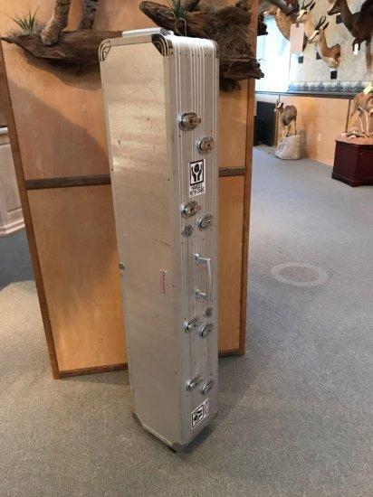 Winchester aluminum wheeled double rifle case