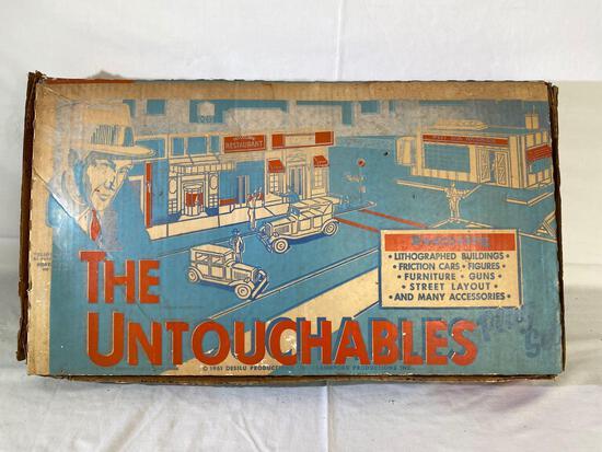 1961 Desilu productions Untouchables playset (partial)
