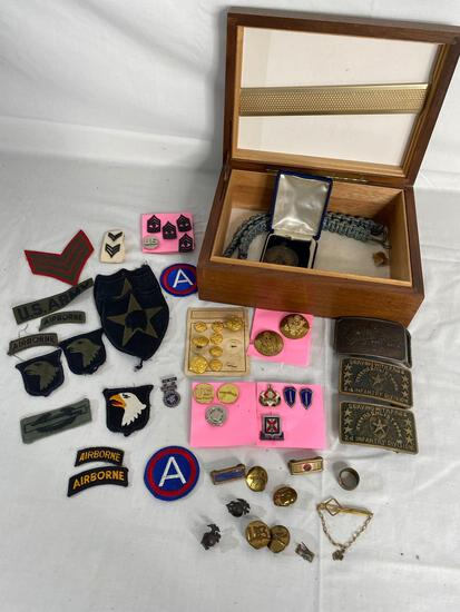 DMZ MP armband, US military cap, badges, medals and awards