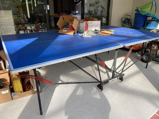 Kettler indoor/outdoor ping pong table, paddles