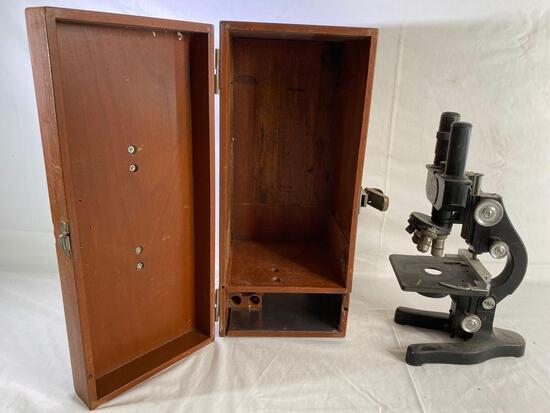 Ernst Leitz Wetzlar stereo microscope, wood case