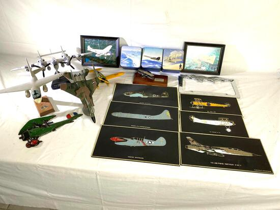 (4) Airplane models: P38 Lightning, Lockheed S-3A, USAF jet & US Air Mail & plaques