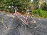 Schwinn Caliente girl's 10 speed bicycle