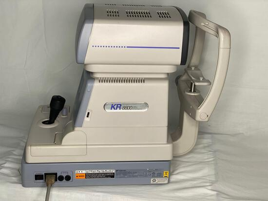 TOPCON KR-8800 auto refractor