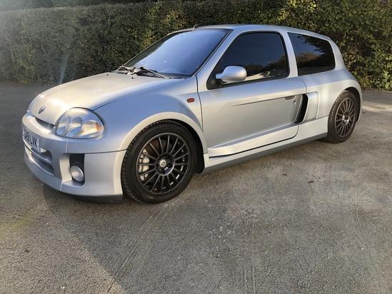 2002 Renault Clio Sport V6