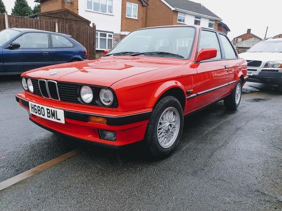 1991 BMW  318i Lux (E30)
