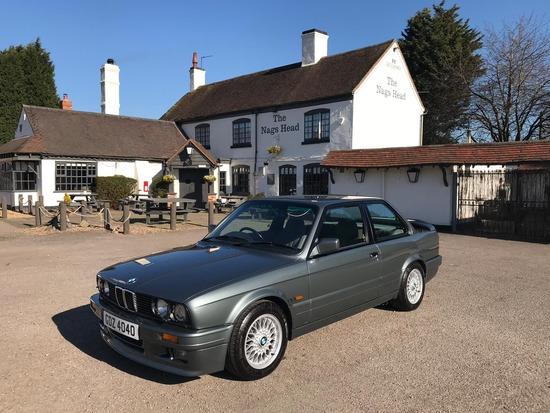 1989 BMW E30 325i Sport