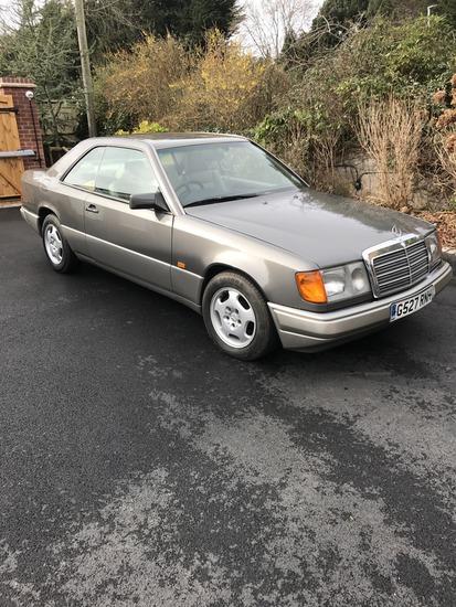 1990 Mercedes-Benz 230CE (C124) Coupe