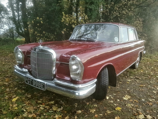 1965 Mercedes-Benz 220 Fintail (W111)