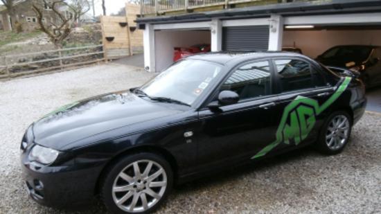 2004 MG ZT SE V8 260