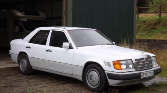 1991 Mercedes-Benz 300D Turbo (W124)
