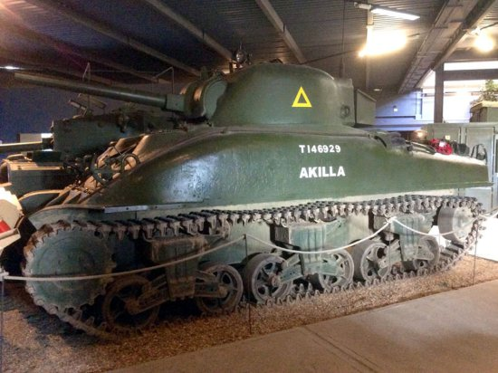 1943 Sherman M4A1 Grizzly I Cruiser
