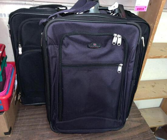3 Carry On Suit Cases