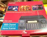 Looks Brand New - Vintage Radio Shack Pro 2035 Scanner