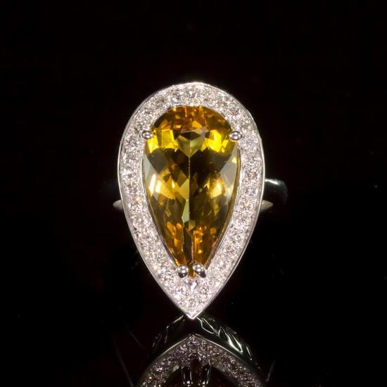 14k Gold 5.22ct Yellow Beryl 0.62ct Diamond Ring