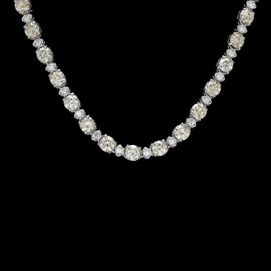 18k White Gold 17ct Diamond Necklace