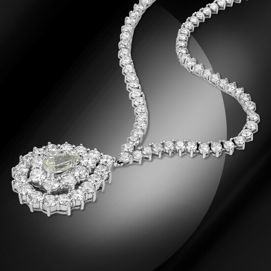 18K Gold 14.86cts Diamond Necklace