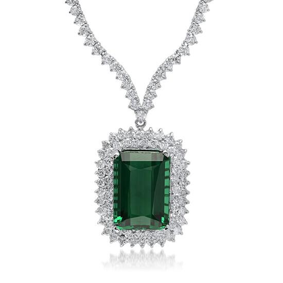 18K White Gold, 21.00cts Tourmaline, 8.40cts Diamond Necklace