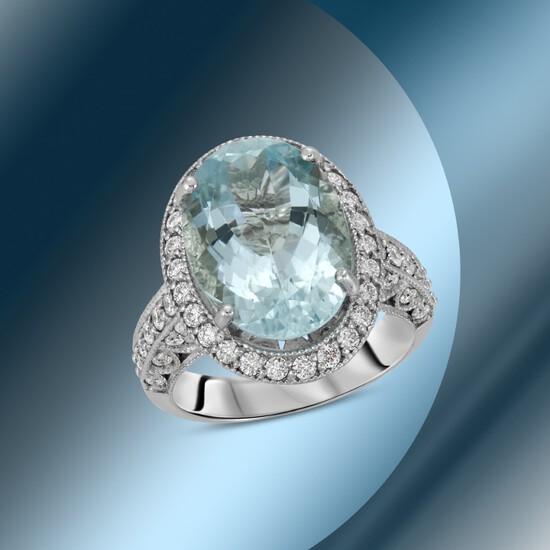 14K Gold 7.80cts Aquamarine & 1.68cts Diamond Ring