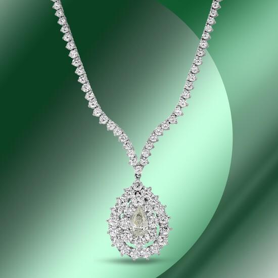 18K Gold 14.75cts Diamond Necklace