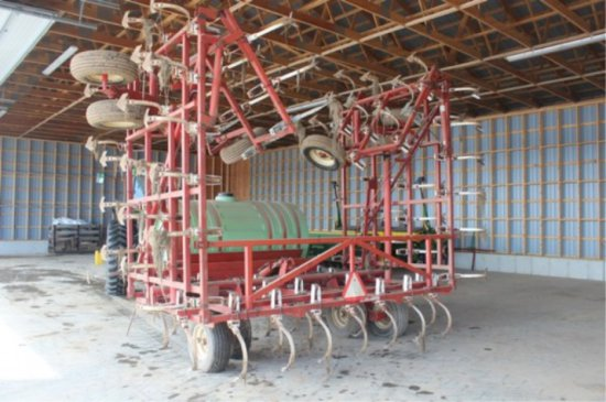 Wilrich Cultivator With 1000 Gallon Tank