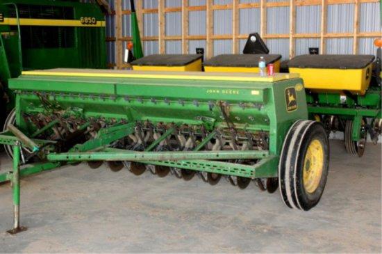 John Deere 8350 Grain Drill