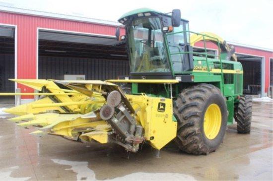 John Deere 6850 Forage Harvester