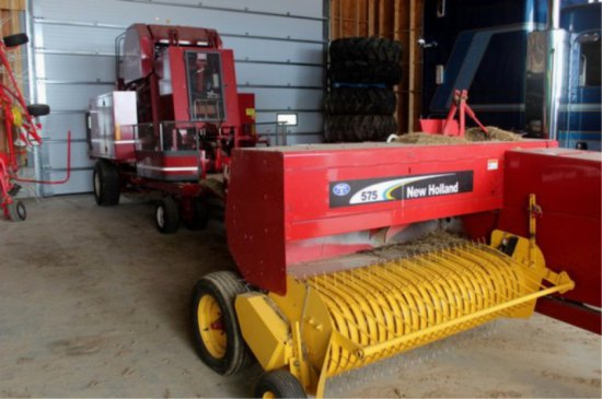 New Holland 575 Small Square Baler