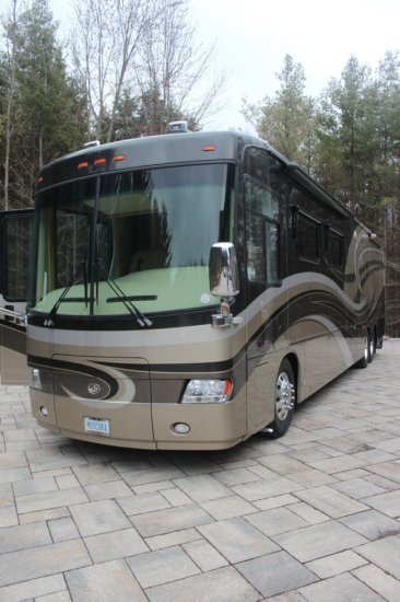 2008 42 foot Travel Supreme Envoy Coach