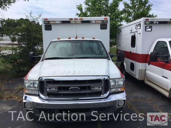 2004 Ford F-350 Ambulance