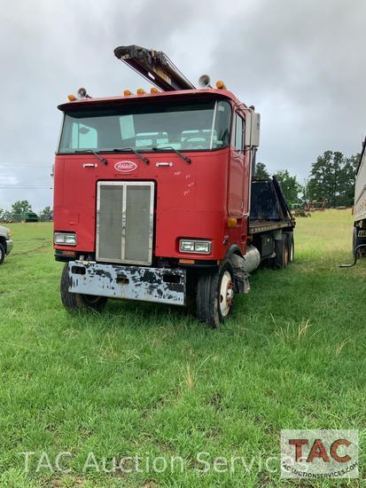 1985 Peterbilt Crane Truck