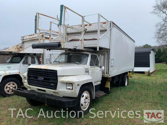 1989 Ford F700 Airport Catering Truck
