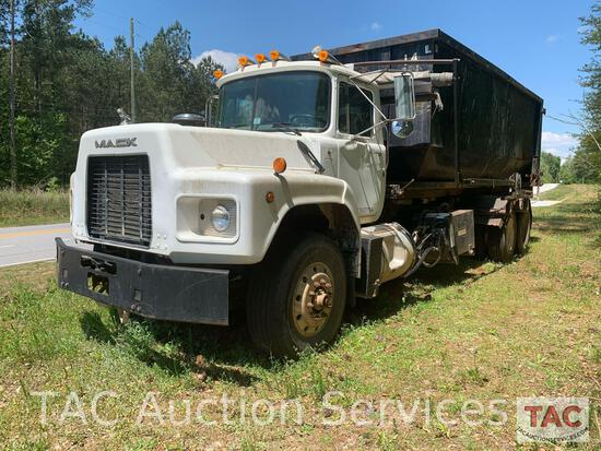 2000 Mack RB688S Roll-Off Truck