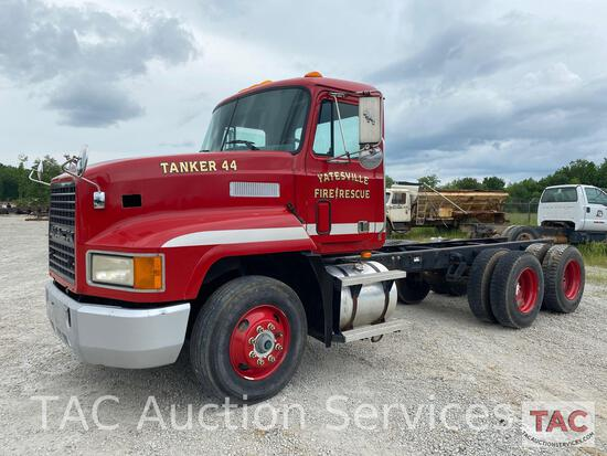 1993 Mack CH600 Cab & Chassis