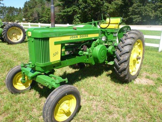 John Deere 520 Tractor
