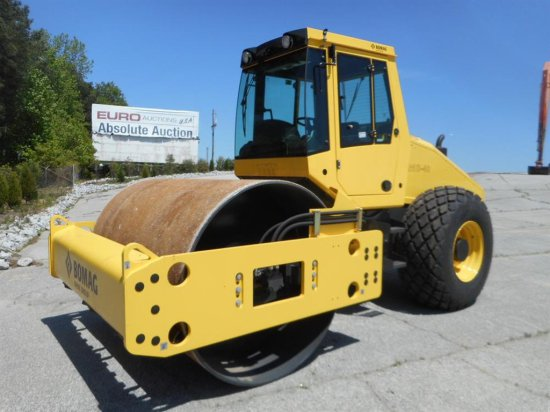 2014 Bomag BW211D-40 Single Drum Vibrating Roller