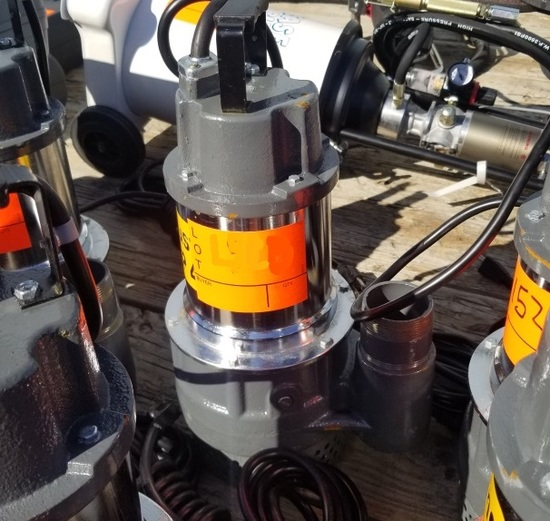 """New Mustang MP 4800 2"""" Submersible Pump"""
