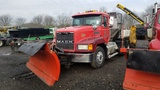 1999 Mack Ch613 With Plow And Sander