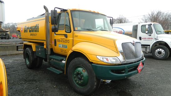 2006 International 4400 Oil Truck