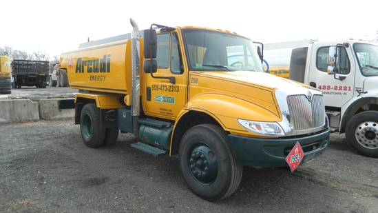2004 International 4300 Oil Truck