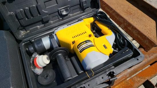 New Huskie 11218 Rotary Hammer